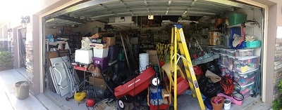 messy-garage-in-post