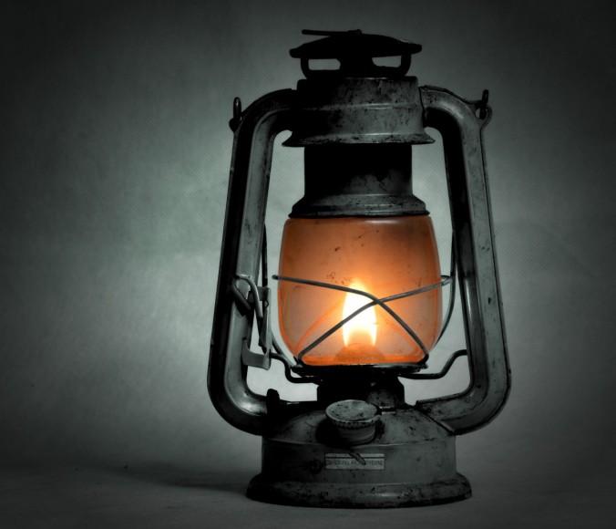 kerosene_lamp_old_replacement_lamp_shine_lighting_mood_antique_scattered_light-654121.jpg!d